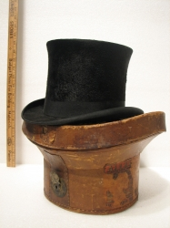 Beaver Top Hat with Carrying Case